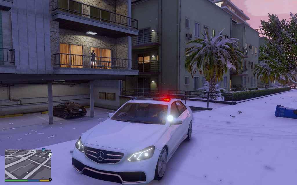 Модификация GTA 5 — Полицейский Mercedes Benz E63